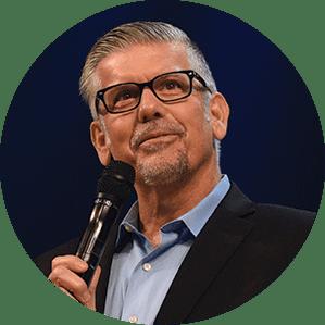 Tom De Vries Year End Author Headshot Bubble