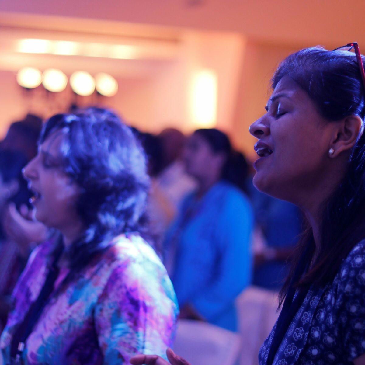 GLS17 International Women worship